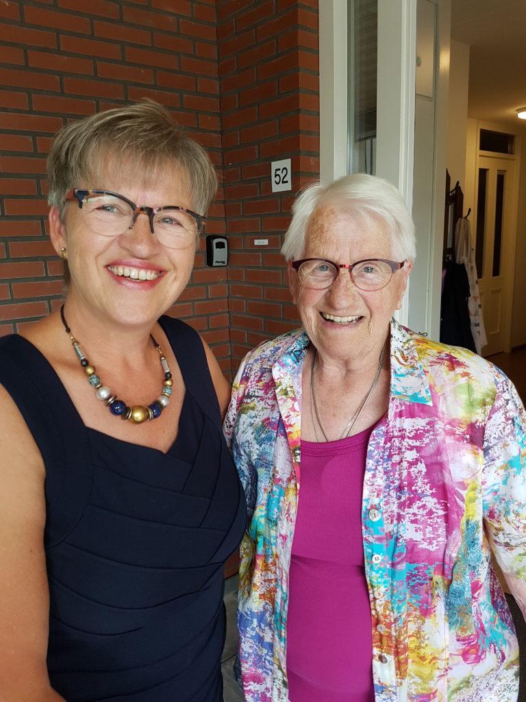 Dames Ans Bijl en Nel Rietbroek